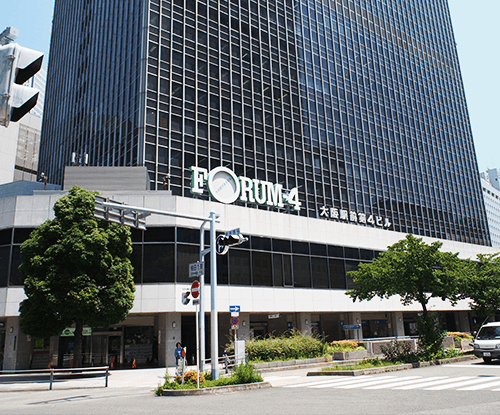 大阪駅前第4ビル1階